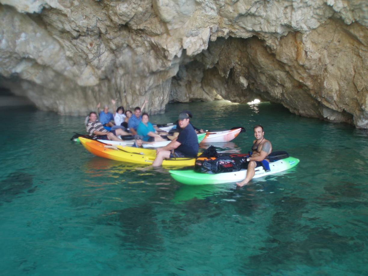 sea kayak in turtle island