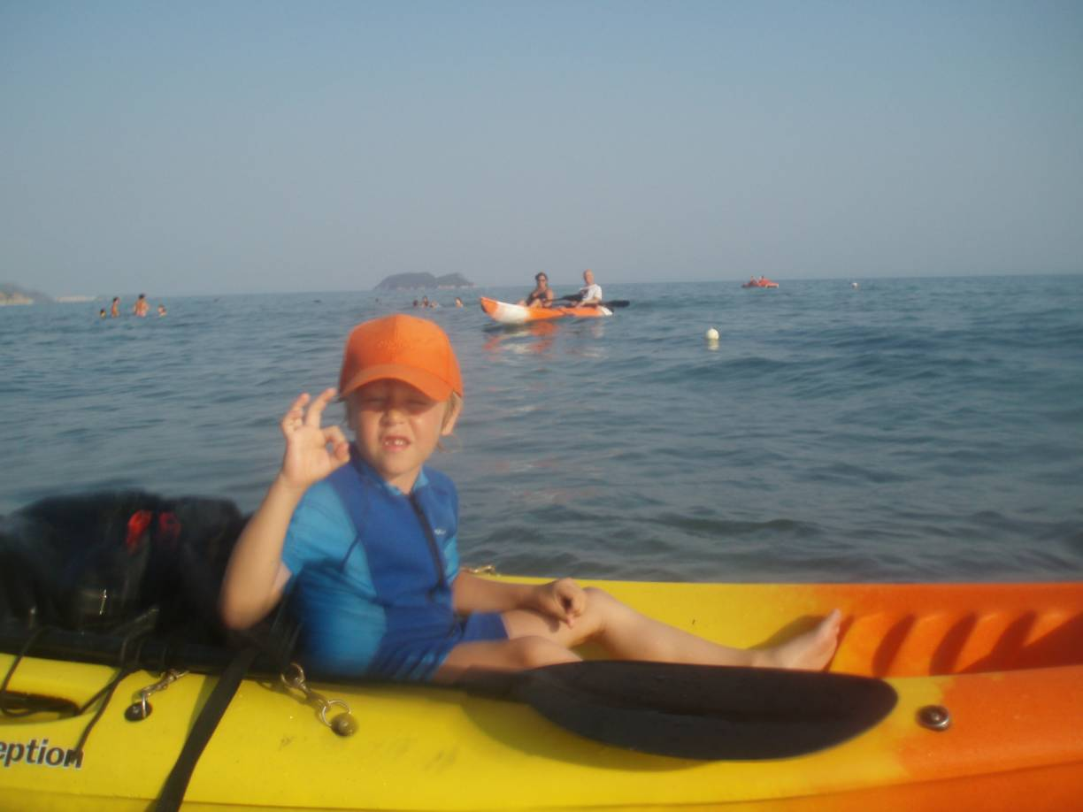 Sea kayak moments in Pelouzo island